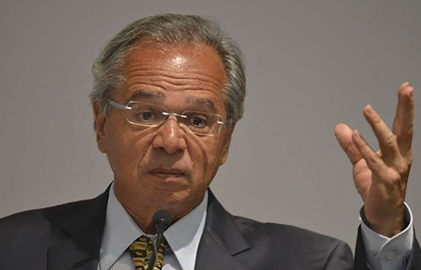 Auxílio emergencial será prorrogado até outubro, confirma Paulo Guedes