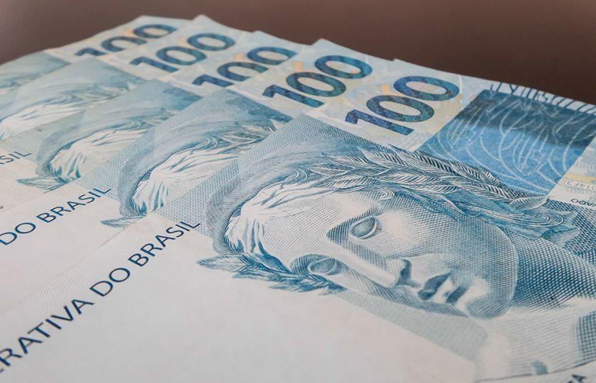 Brasil não sairá da crise em 2017, diz economista da FGV