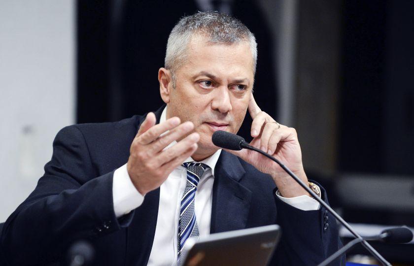 Cai mais um Ministro: Padilha derruba Osório