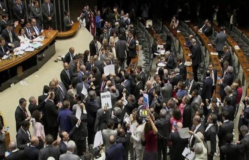 Câmara e Senado tentam retomar projetos após rejeição de denúncia contra Temer