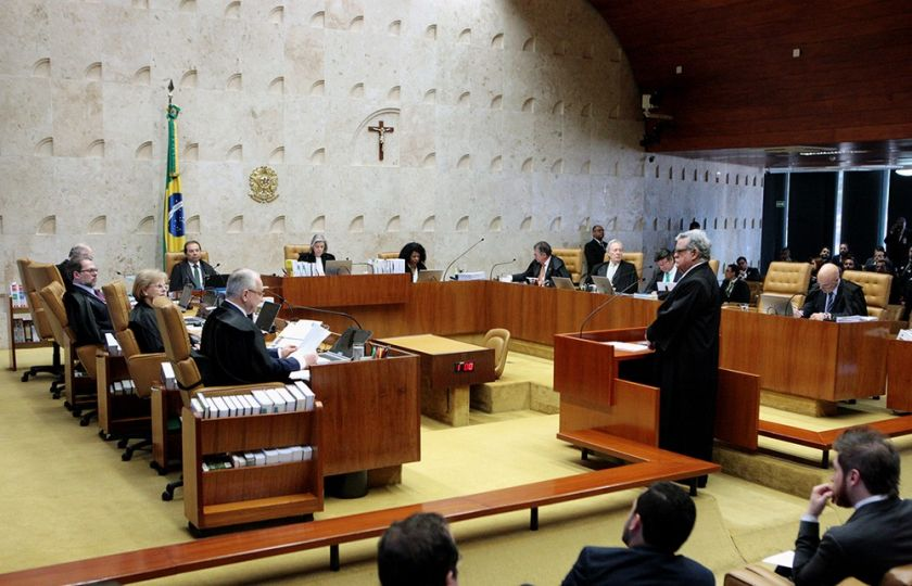 Câmara tentará votar reforma política antes de receber denúncia contra Temer
