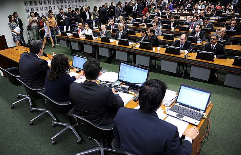 CCJ da Câmara aprova admissibilidade da PEC da Reforma da Previdência