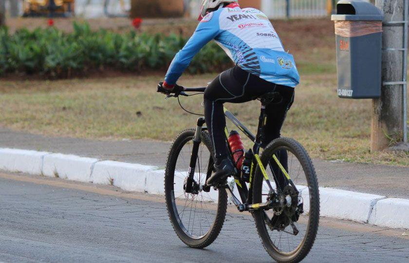 Dia nacional do ciclista alerta sobre desafios para trânsito mais seguro