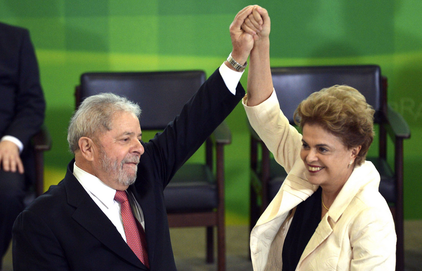 Com Lula no Alvorada, Dilma se diz confiante a senadores aliados