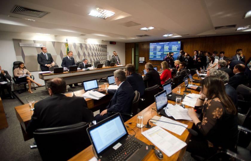 Comissão da reforma política aposta em diálogo com Senado