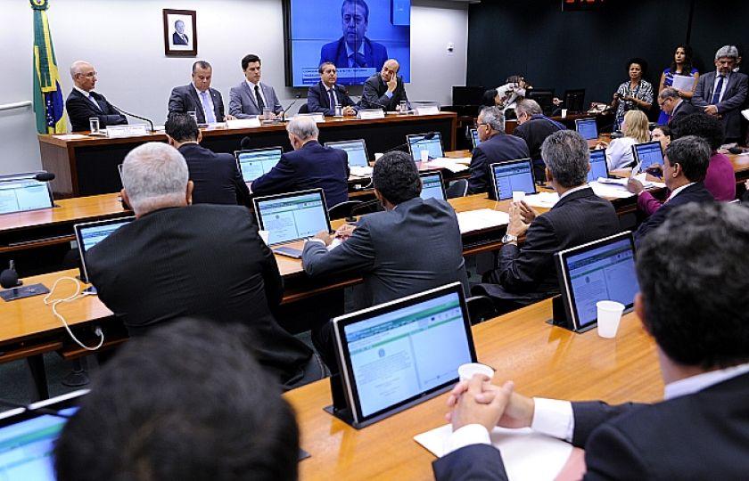 Comissão Especial da Reforma Trabalhista da Câmara ouve ministro do Trabalho