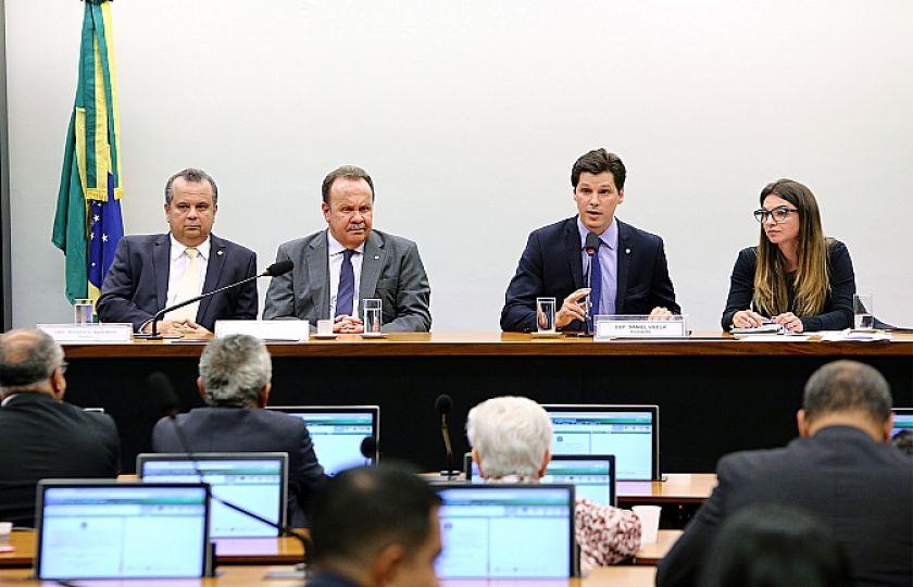 Comissão especial da Reforma Trabalista é instalada na Câmara dos Deputados