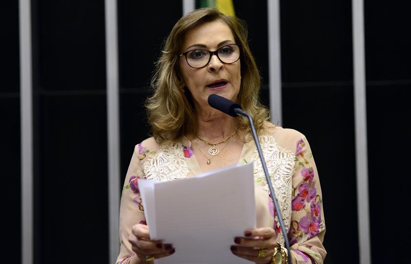 Comissão exige escola e posto de saúde para cobrança de IPTU em município de grande porte