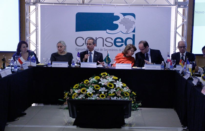 Consed faz reunião em Brasília para discutir Ensino Médio