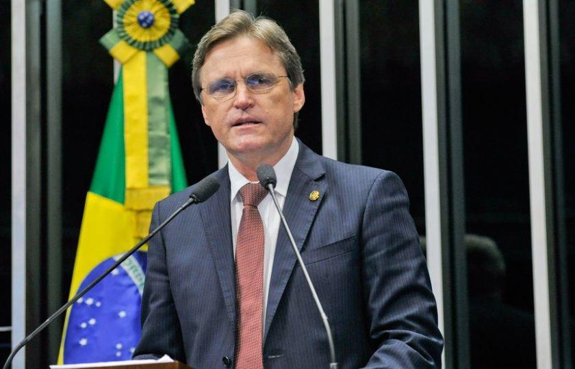 Dário Berger manifesta perplexidade pela queda de avião que levava a Chapecoense