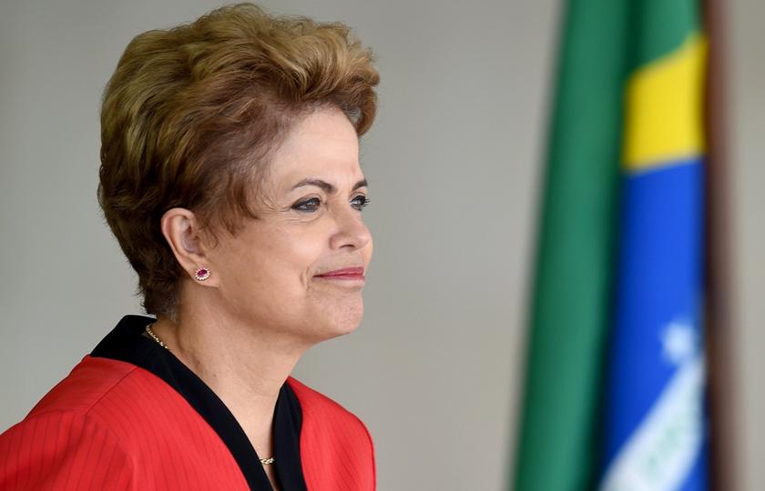 """Defesa de Dilma espera absolvição se julgamento do impeachment for """"justo"""""""