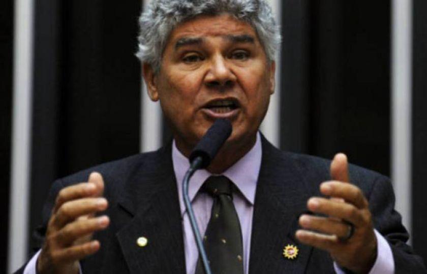 Deputado entra com representação na PGR por liberação de emendas