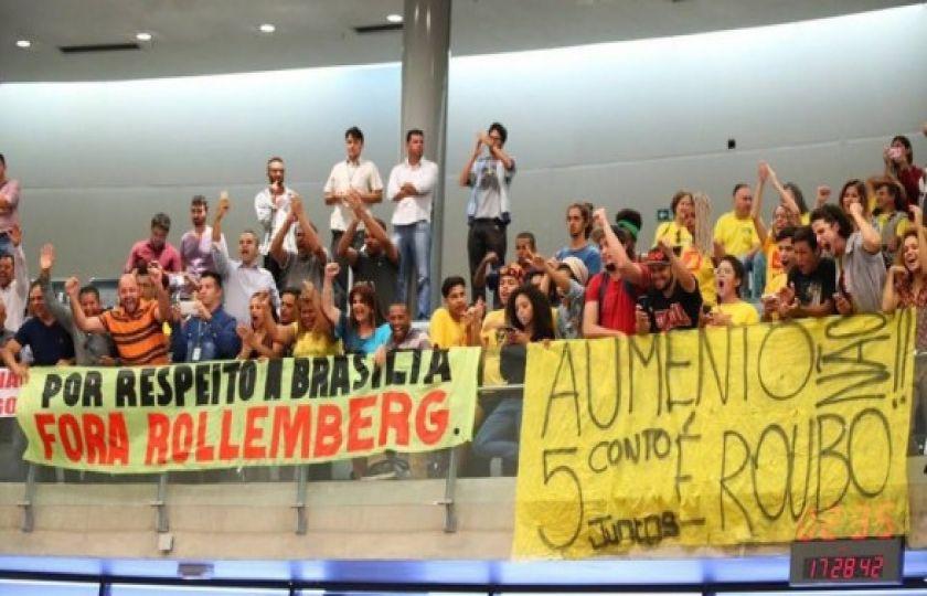 Deputados derrubam aumento de passagens em Brasília; governo do Distrito Federal vai recorrer