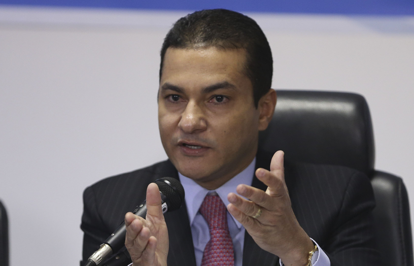 Economia brasileira já se recupera da crise, diz ministro