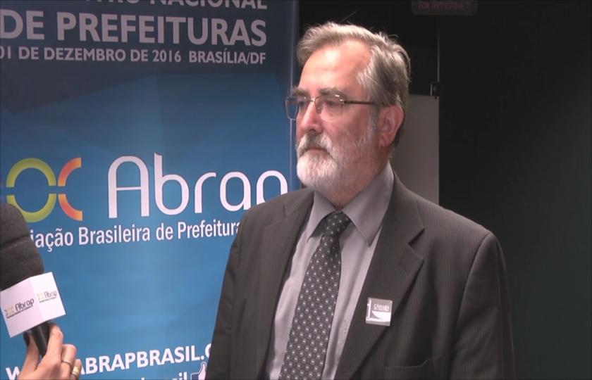 Economista François Bremaeker comenta a situação financeira dos municípios