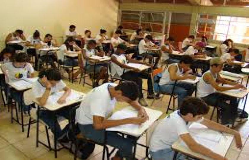 Governo Federal libera R$ 900 milhões para obras, equipamentos e transporte escolar