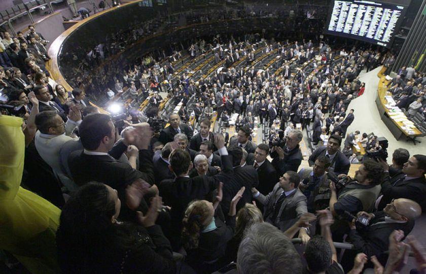 Governo retira contrapartida da renegociação da divida de estados