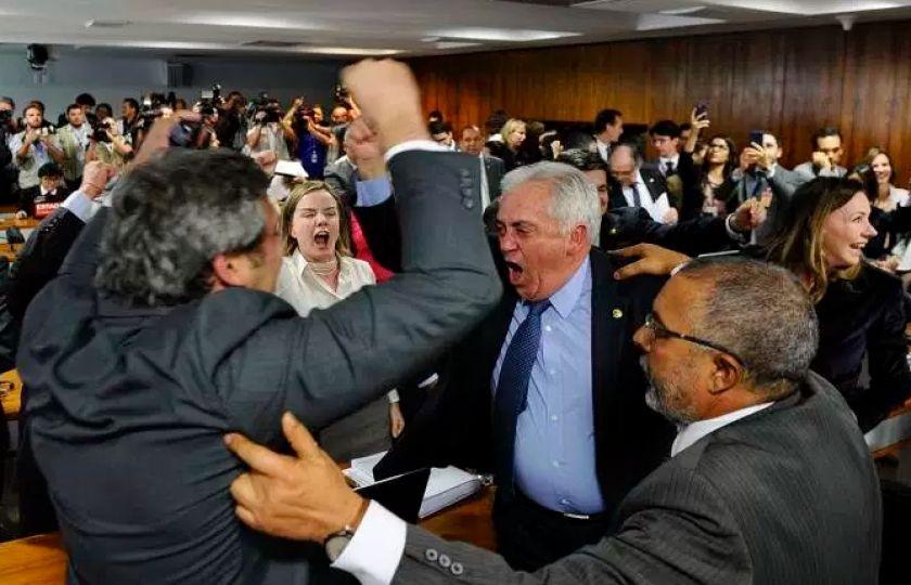 Governo tenta votar reforma trabalhista na CCJ do Senado