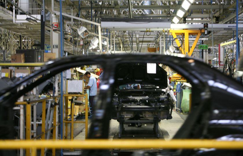 Indústria acumula queda de mais de 7% de janeiro a novembro