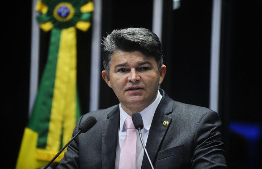 José Medeiros critica intermediação da Caixa em convênios com municípios