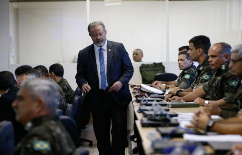 """Jungmann fala em """"golpear o crime"""" no Rio, mas diz que não haverá milagre"""