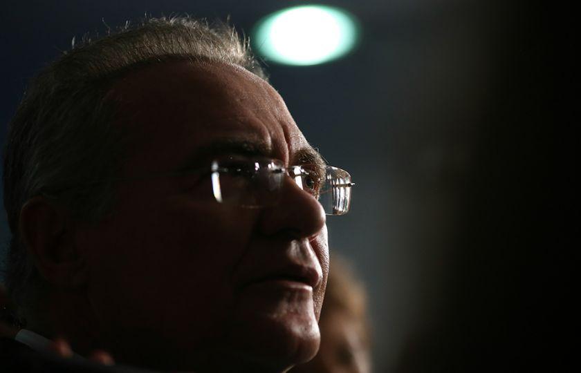 Liminar afasta Renan Calheiros da Presidência do Senado