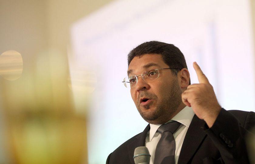 Limite de gastos das contas públicas é principal medida para tirar País da crise