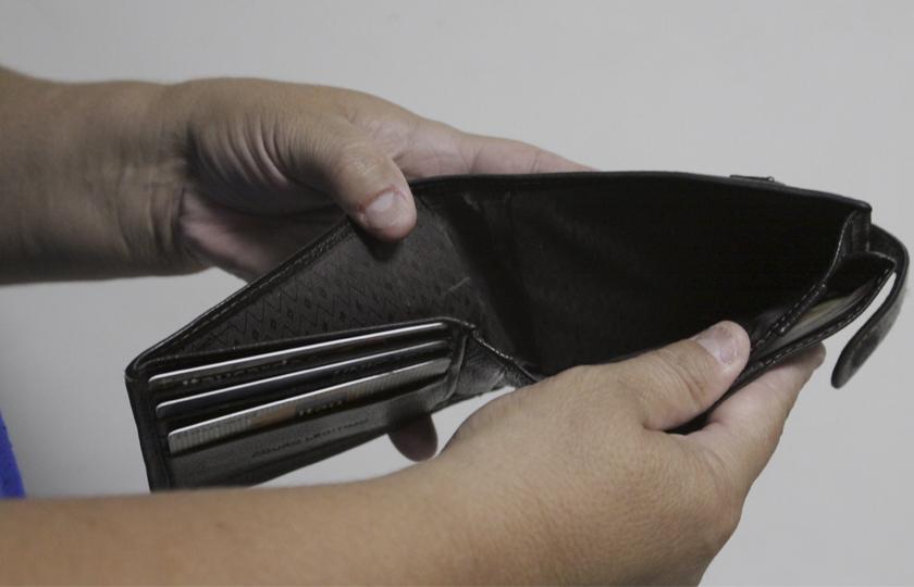 Maioria dos alunos não entrou em universidade por falta de dinheiro, diz estudo