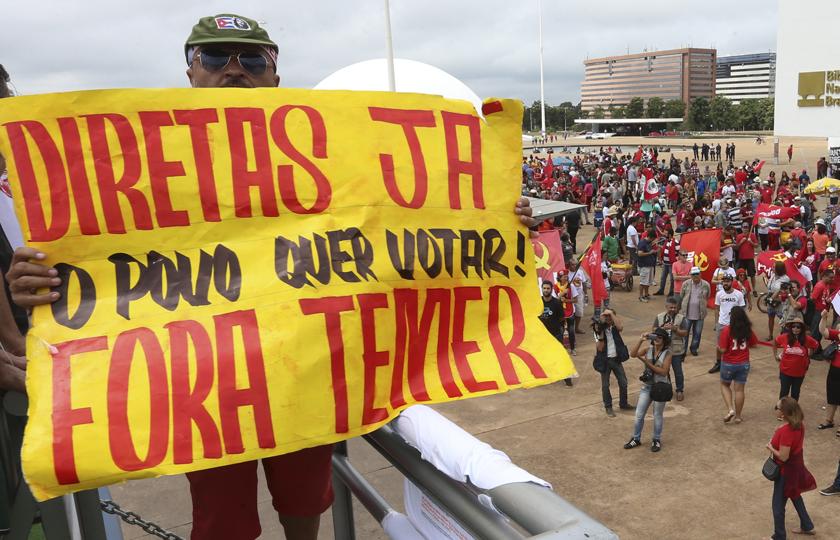 Manifestantes protestam contra o governo e pedem Diretas Já em vários estados