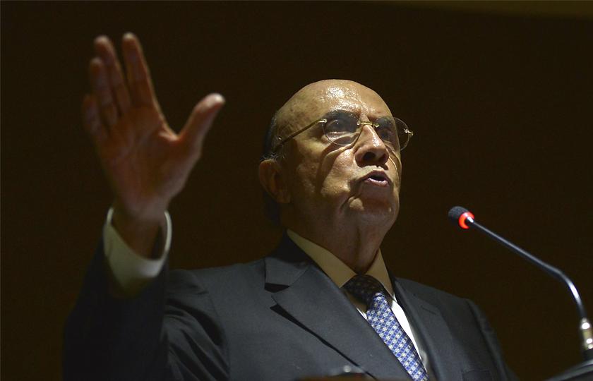 Meirelles diz que país voltará a gerar emprego no segundo semestre