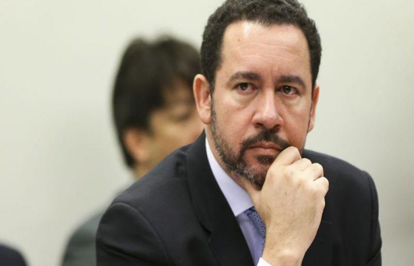 Ministro do Planejamento afirma que valor do salário mínimo só será conhecido em dezembro