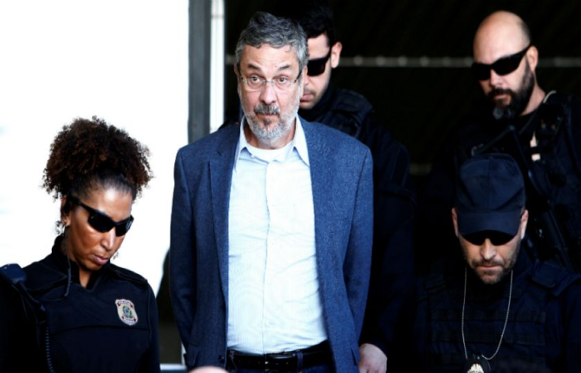 Moro decreta prisão preventiva de Palocci