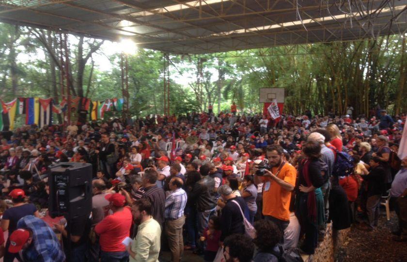 MST reúne políticos e movimentos sociais em ato em Fortaleza