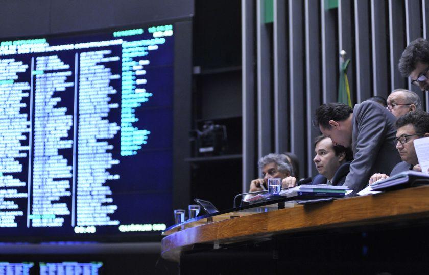 Mudanças na exploração do pré-sal e LDO são destaques da pauta do Plenário