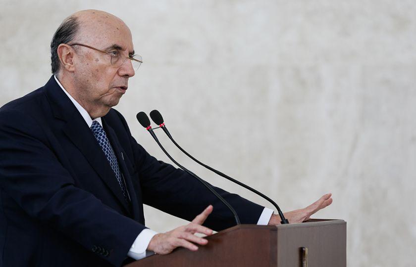 Não há decisão sobre correção da tabela do Imposto de Renda, diz Meirelles