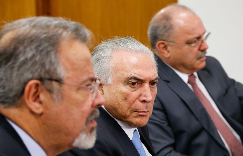 Nível de desconfiança de brasileiros em Temer aumenta, diz pesquisa