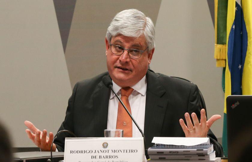"""No STF, Janot denuncia """"campanha desonesta"""" para desmoralizar Judiciário"""