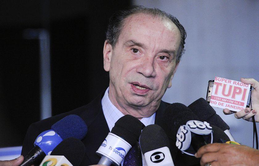 Para Aloysio Nunes, lista que Janot apresentará faz parte do processo judicial