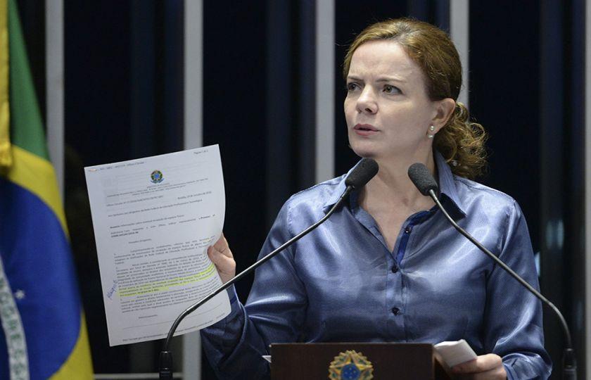 Para Gleisi, PEC dos Gastos não resolve crise e prejudica rede de proteção social