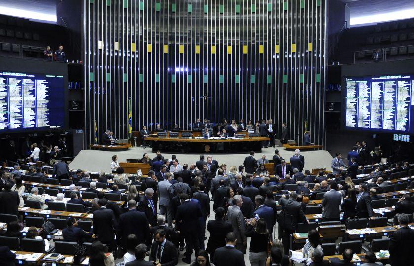 Plenário d Câmara dos Deputados pode votar projetos de combate à violência contra mulheres e crianças