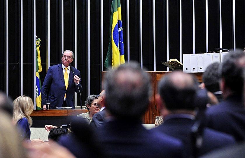 Plenário da Câmara aprova cassação do mandato de Eduardo Cunha