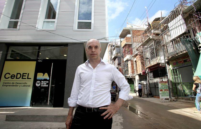 Prefeito de Buenos Aires inaugura gabinete na favela mais famosa da capital argentina
