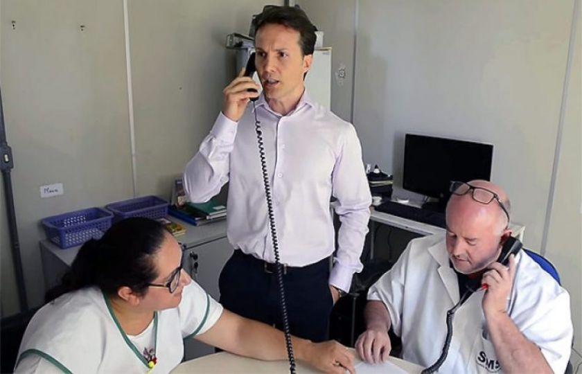 Prefeito de Caxias do Sul, Daniel Guerra, acompanha o atendimento na rede pública de saúde