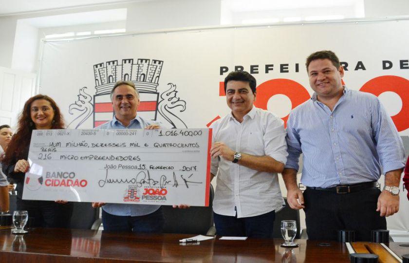 Prefeito Luciano Cartaxo faz nova liberação de crédito e supera R$ 34,6 milhões em investimentos