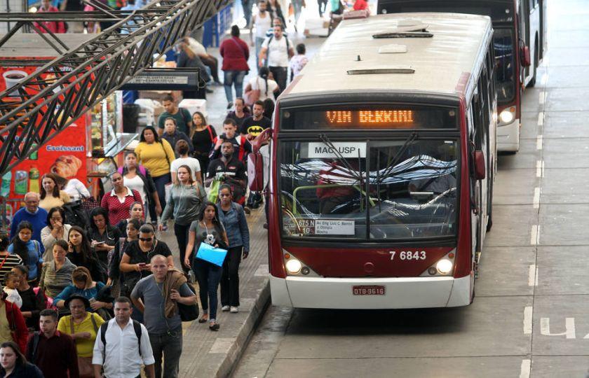 Prefeitura confirma corte de 146 linhas de ônibus e promete atrair mais passageiros