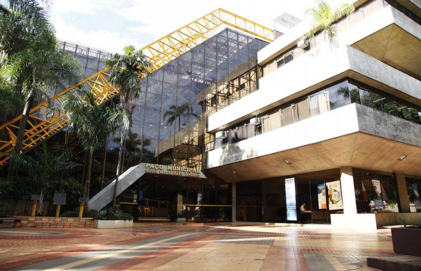 Prefeitura de Maringá divulga nesta quarta-feira (4) editais de concursos públicos com 152 vagas