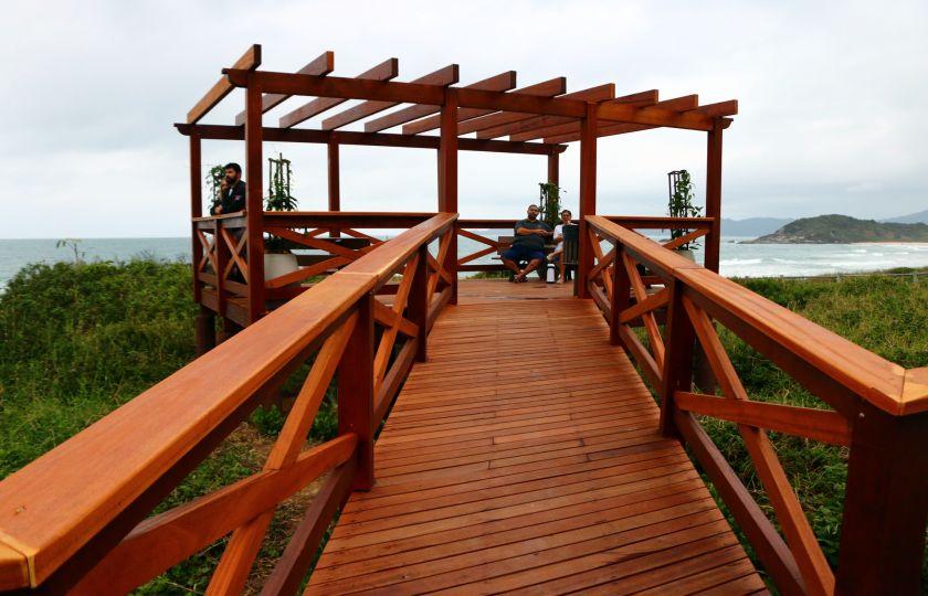 Prefeitura inaugura praças em quatro ilhas