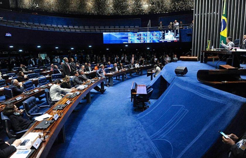 PRESIDENTES DO SENADO, DA CÂMARA E DA REPÚBLICA CONCLAMAM CAMINHONEIROS A VOLTAR AO TRABALHO