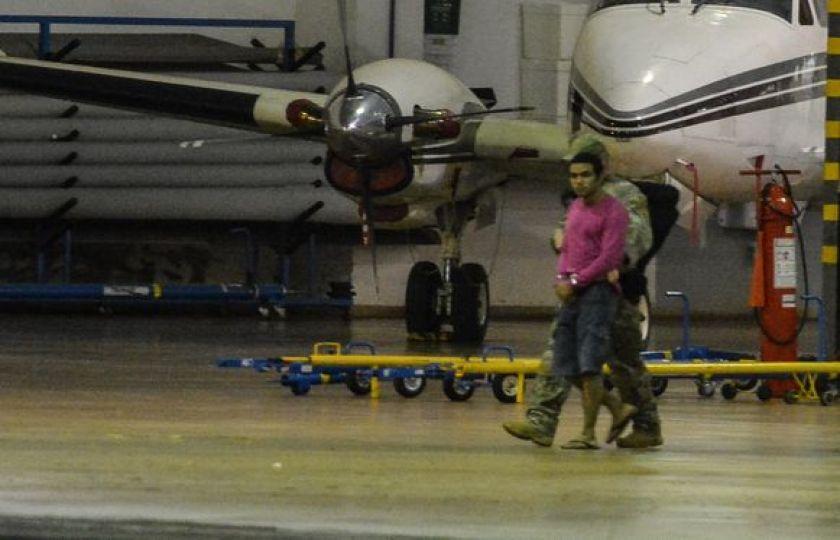 Presos por suspeita de terrorismo são transferidos para presídio em Campo Grande
