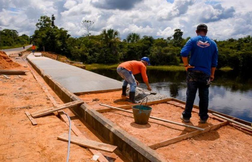 Primeira etapa da obra de revitalização do igarapé preto está em fase de acabamento